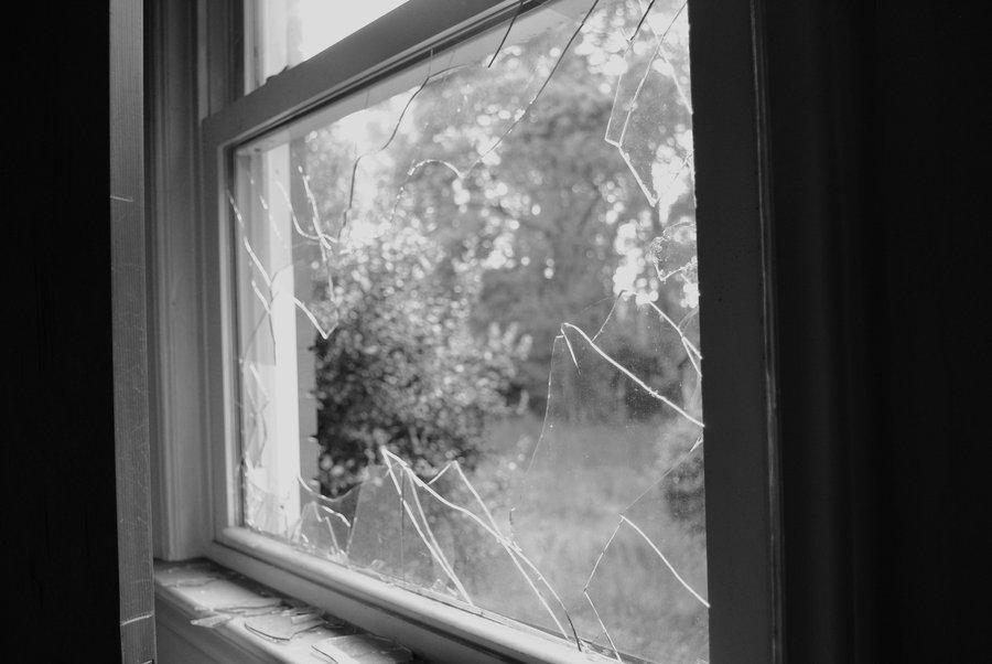 Spray e creativit le nuove armi contro il degrado - La finestra rotta ...